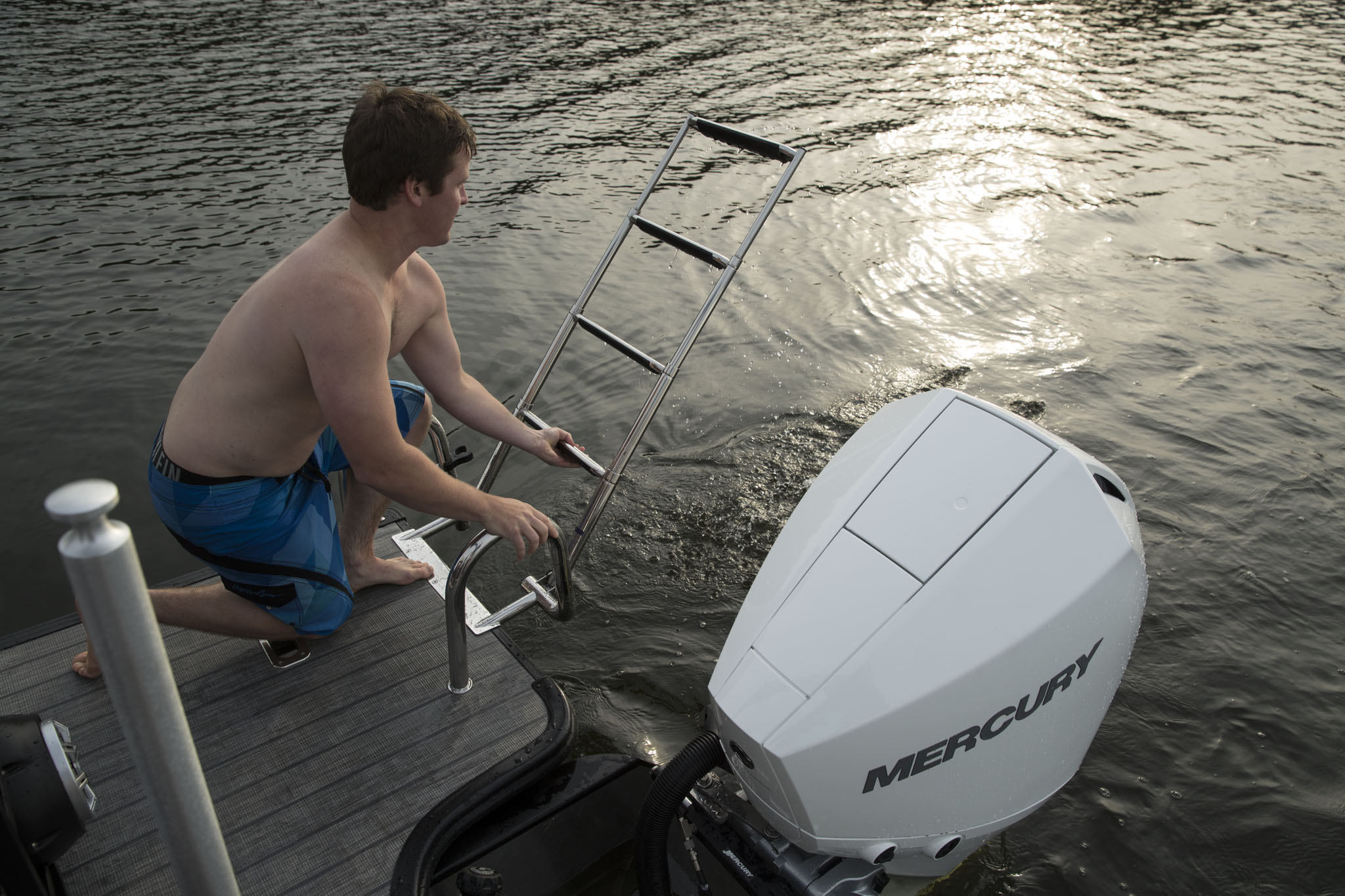 Boat Review: Starcraft SLS 3 - SHORE Magazine - Boating Lake